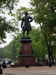 Кронштадт: памятник Петру Первому.