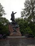 Кронштадт: памятник адмиралу Макарову.