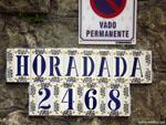 Сантандер: кафельные названия улиц.