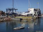 Ла-Корунья: краны для яхт.