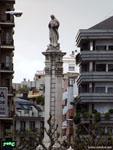 Леон: скульптура Белой Богородицы ( monumento de la Virgen Blanca ).