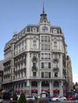Леон: угловое здание на площади Санто Доминго.