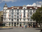 Вальядолид: угловой дом на площади Зорилья ( Plaza de Zorrilla ).